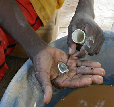 Kontaminace rtutí stojí miliardy korun ročně. Ztráty vyčíslil výzkum, na kterém se podílela Arnika