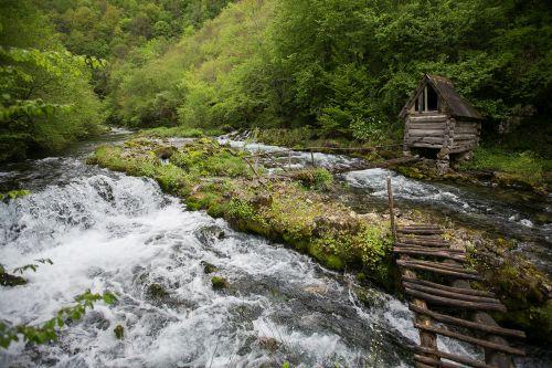 Bosna reky copy right Majda Slámová