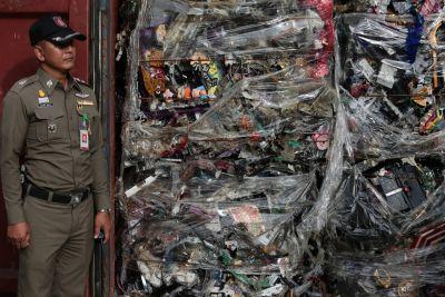 """""""Nechceme žádný odpad ze zahraničí!"""" Thajští aktivisté usilují o úplný zákaz importu odpadu"""