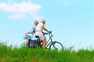 Zachraň sousedku před vedrem: Senioři se naučí, jak zvládnout letní vedra