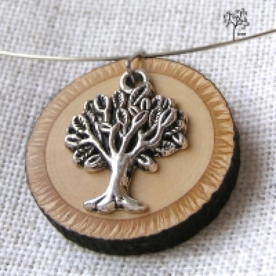 f0023ed5e Dřevěné šperky pomáhají zachránit stromy - Arnika
