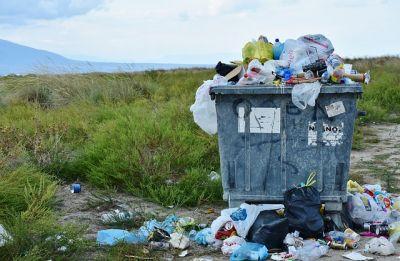 Vyčištíme oceány zákazem jednorázových plastů?